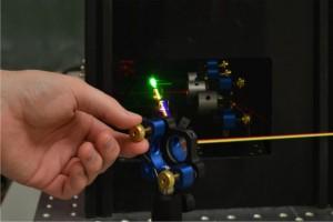 Selbst experimentieren mit der Laserbox (Foto: Stephan Schikora)